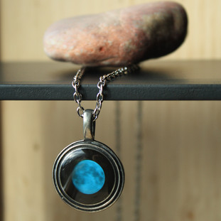 Bitrh moon stone necklace