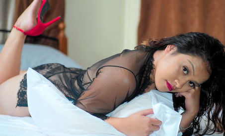 Heredia Roses Boudoir Photography Fiji.j