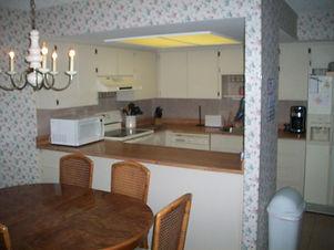 120B Kitchen.JPG