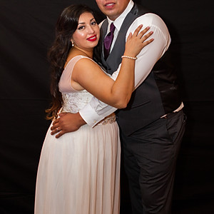 Jessica and Ernesto Flores        (Photo Booth)