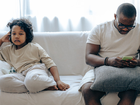 Disturbing Traits of Our Parents We Don't Talk About Mother-Father Complex