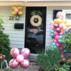 yard balloon display