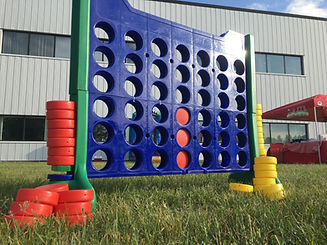giant connect four game .jpg