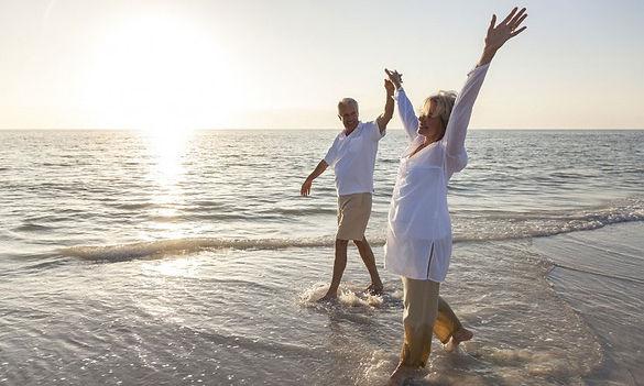 crcarguy-image-couple-beach.jpg