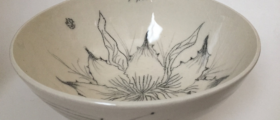 Illustrated serving bowl