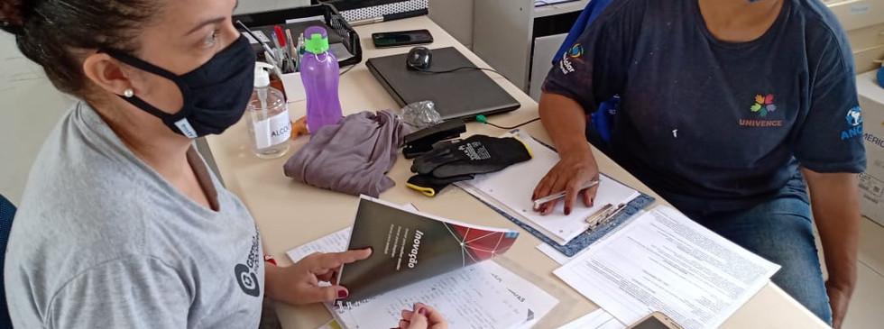 Orientações técnicas referente a ficha de EPIs, ordem de serviço e armazenamento do rejeito para a presidente da cooperativa Univence
