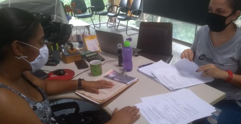 Orientações técnicas referente a ficha de EPIs, ordem de serviço e armazenamento do rejeito para a presidente da cooperativa Vitória do Belém