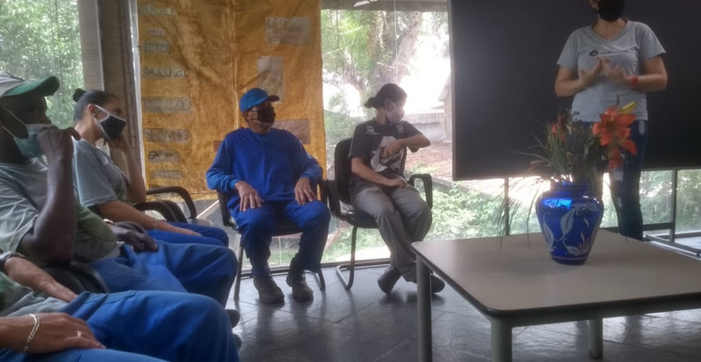 Diálogo de segurando do trabalho sobre higiene pessoal e EPIs na cooperativa Vitória do Belém
