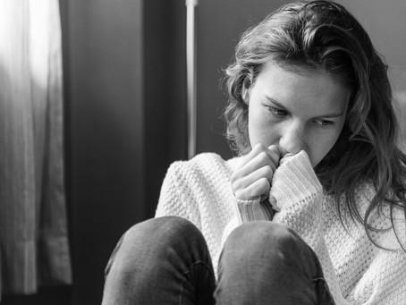 Você está no relacionamento por medo de ficar sozinha?