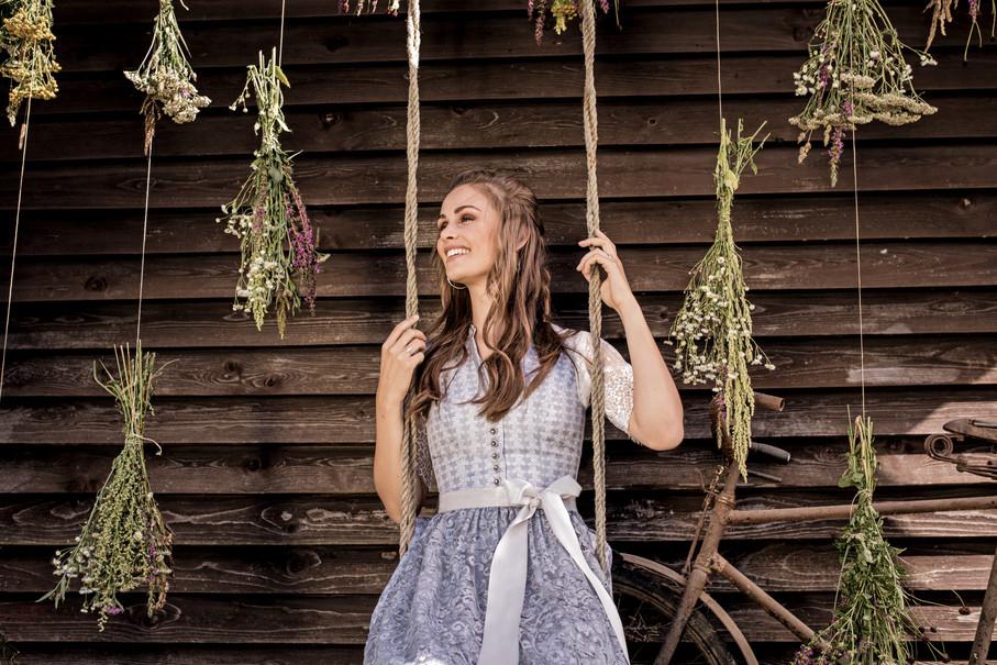 MarJo_Dirndl GY-2-Samantha_Bluse GY-2-Loretta-Linda (003).jpg