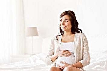 Sourire femme enceinte