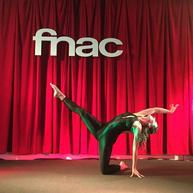 #aboutlastnight Coreografia na #fnac do