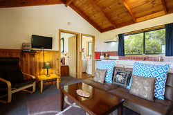 Cabin 2 lounge Buln Buln Cabins