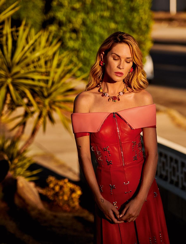 Harpers-Bazaar-Kazakhstan-March-2018-Erin-Wasson-Emilio-G-Hernandez-6