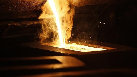 Gold Down to More Than Five-Week Low as Dollar Strengthens