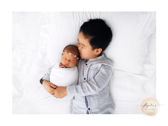 Sibling Love   Adelaide Newborn Photographer