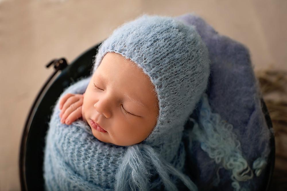 Adelaide hills newborn baby photographer