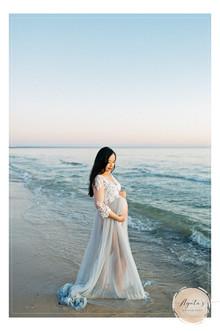 Maternity Photographer Adelaide   Beach Pregnancy Photography with Agata's Photography