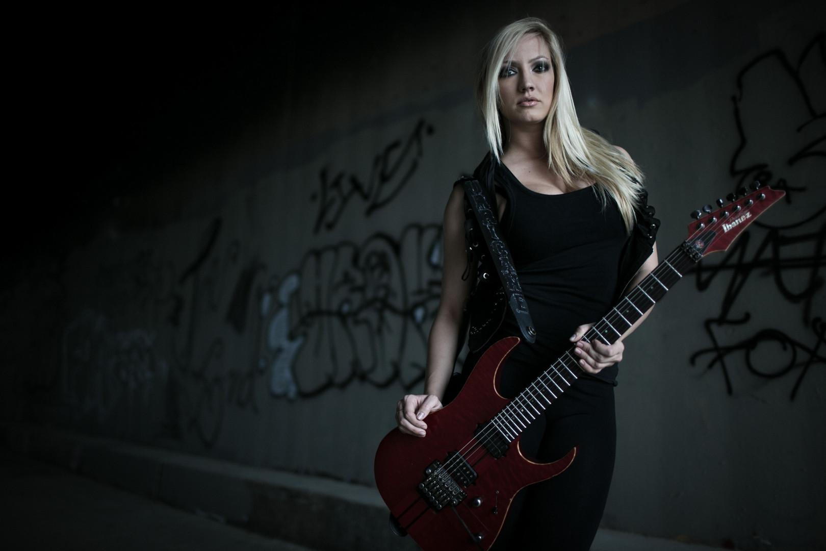 Guitarist Nita Strauss