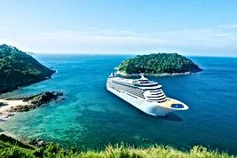 bateau de croisière sur l'île