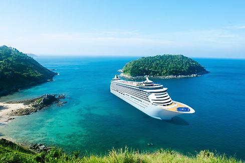 navio de cruzeiro na ilha