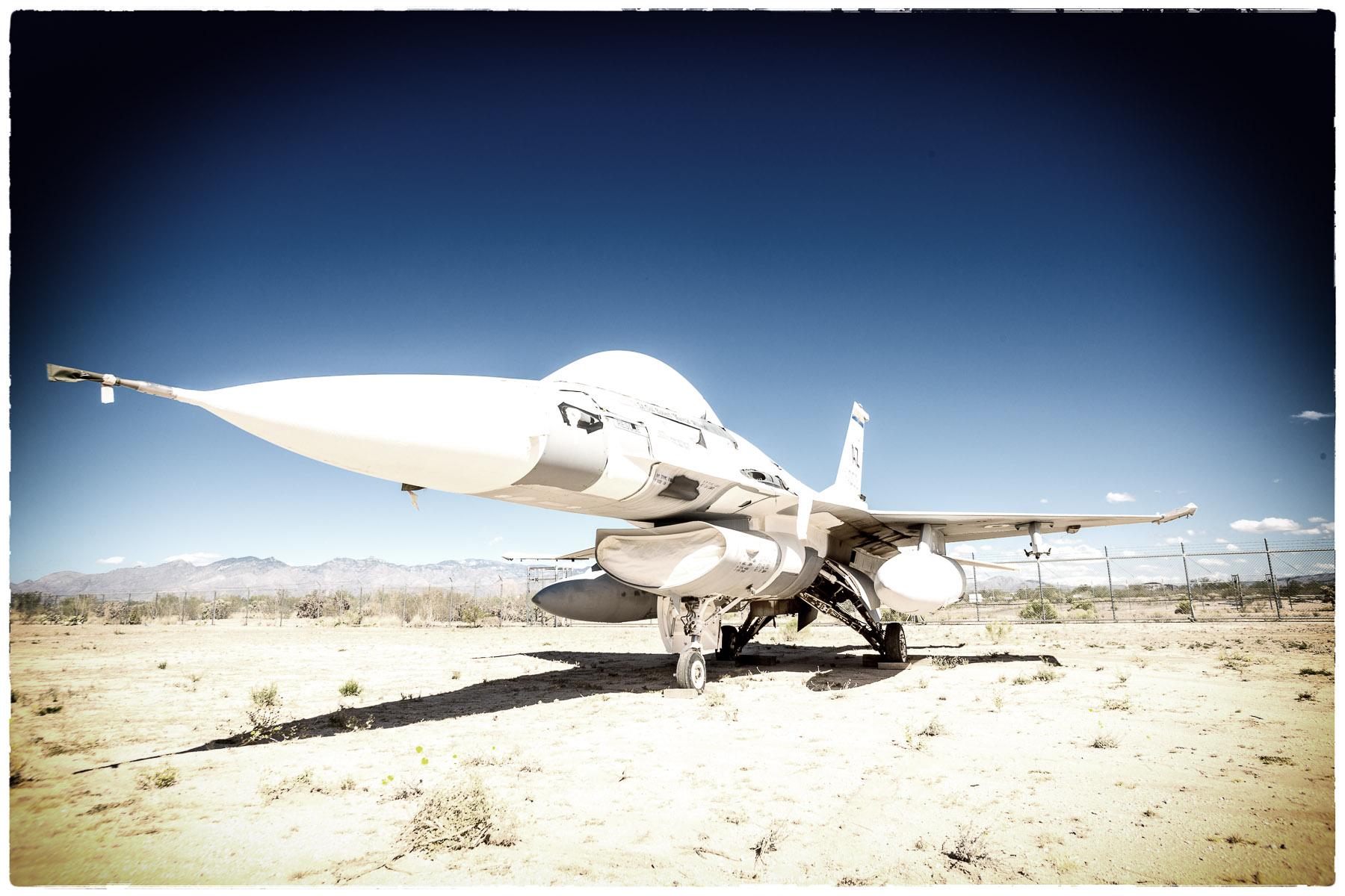 Fight Falcon - F-16.jpg