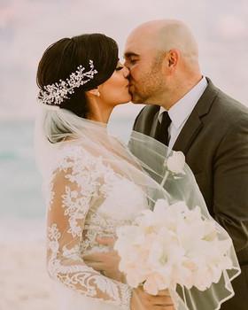 Viva el amor. ❤️✨ _ I cant wait to share
