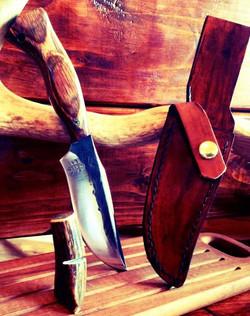 stainless steel Lynx Skinner Knife with diamondwood handle - Copy