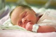 Bebês precisam de suplementos de vitamina D diariamente, dizem especialistas