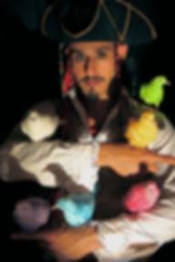 Matéo et les oiseaux sacrés avec La compagnie Lune à l'autre Spectacle enfant, spectacle de clown Vaucluse spectacle pour entreprises dans la Drome, bouches du rhone, Gard