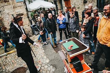 TéoTaquet avec La compagnie Lune à l'autre Spectacle de magiedrome, spectacle de magie Vaucluse spectacle pour entreprises Drome