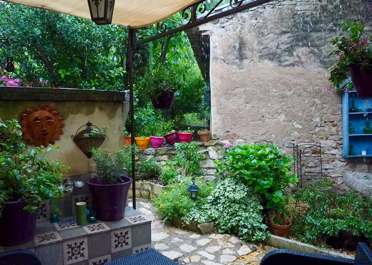 Paradise de Provence terrace