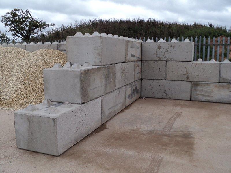 preform concrete blocks for retaining walls