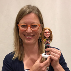 Dorien with bobblehead