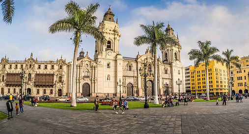 panorama_cathedral_square_lima_peru-1920