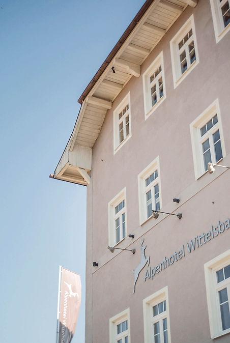 hotel-restaurant-ruhpolding-alpenhotel-wittelsbach-gillitzer-anssicht-aussen-gebaeude-trad