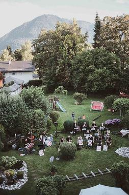 hotel-restaurant-ruhpolding-alpenhotel-wittelsbach-gillitzer-zimmer-aussicht-garten-garden