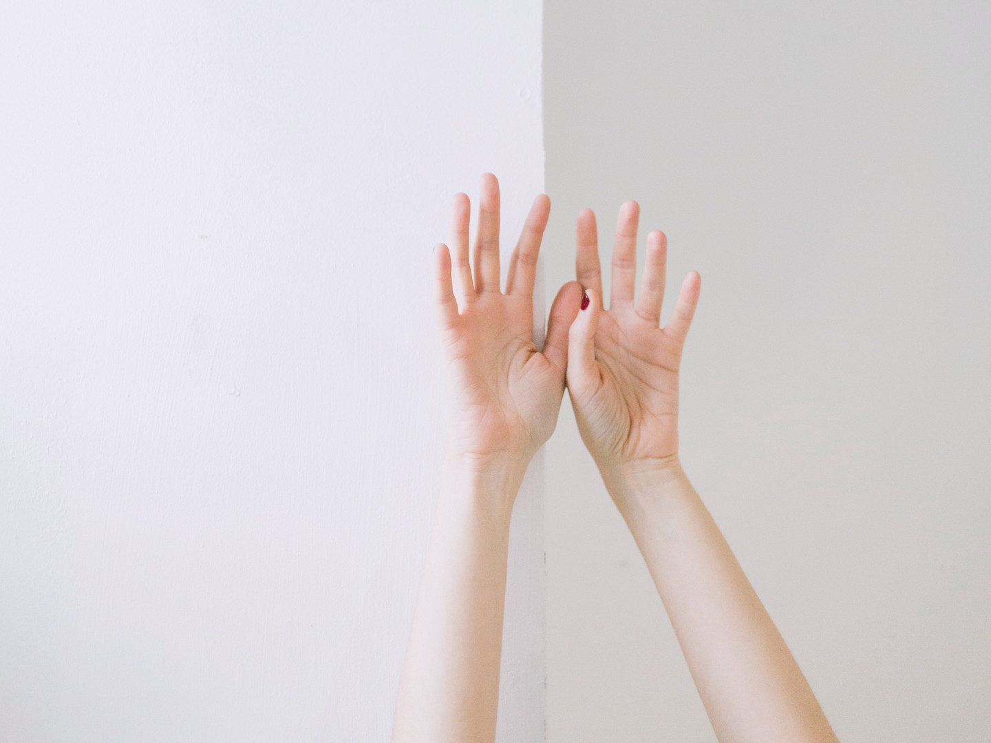 person-two-hand-leaning-on-wall-709801.j
