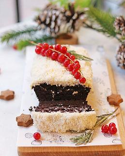 VEGAN SNOWY CHOCOLATE CAKE.jpg