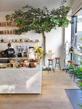 THE HAPPINESS CAFE INTERIEUR 1.jpg