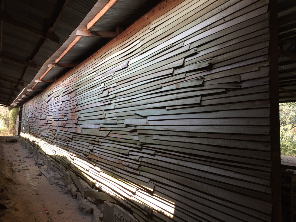 仏壇工場外壁