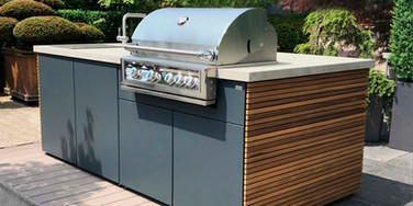 Mixed finish outdoor kitchen