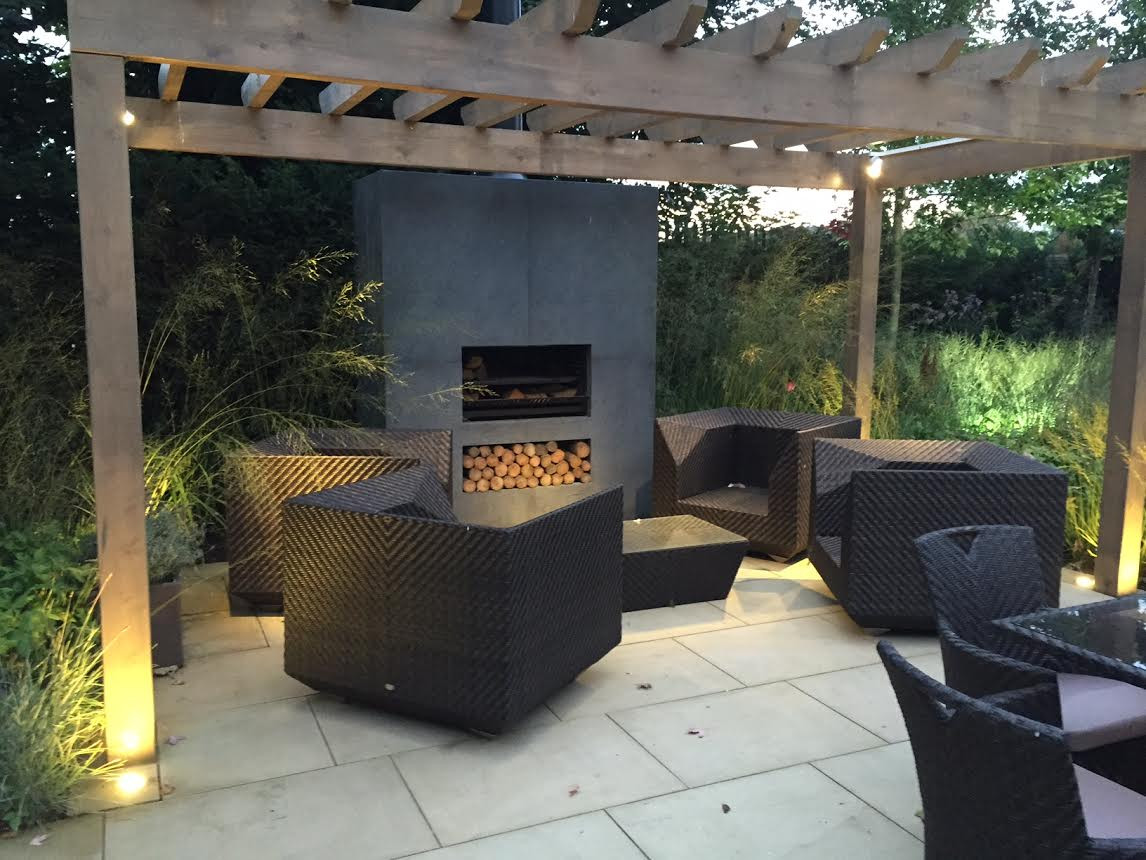 EW5000 cooking outdoor fireplace