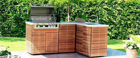 Simple corner outdoor kitchen