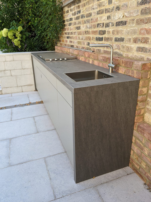 Basalt Grey Cubic outdoor kitchen with contemporary BBQ