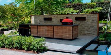 Island outdoor kitchen
