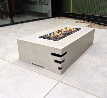 Dakota 1400 concrete gas firepit