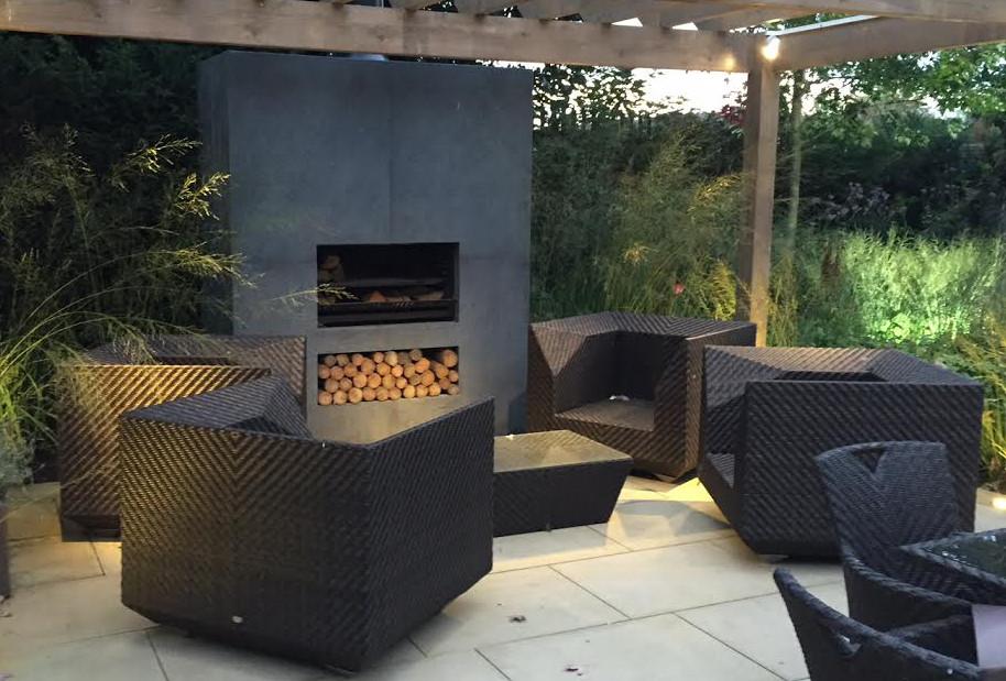 Woodburning cooking fireplace