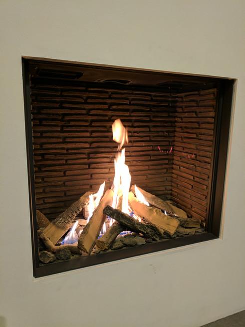 UF750H balanced flue gas fireplace