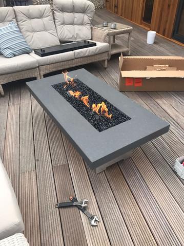 Engineered stone tabletop